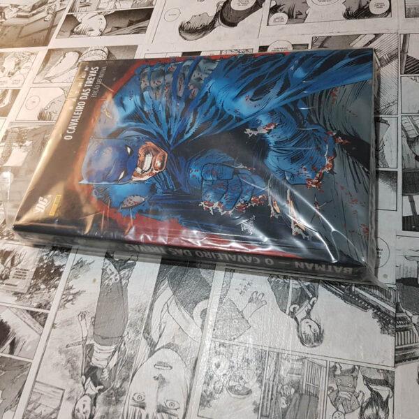 Batman - O Cavaleiro das Trevas - Edição Definitiva (Lote Fechando Abril)
