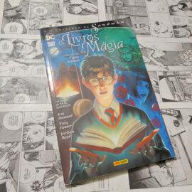 O Universo Sandman - Os Livros da Magia - Volume Um - Tipos Móveis (Lote #115)